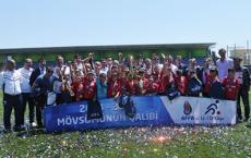 U10 winning league cup - Photogallery